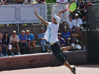 Brian Battistone serve
